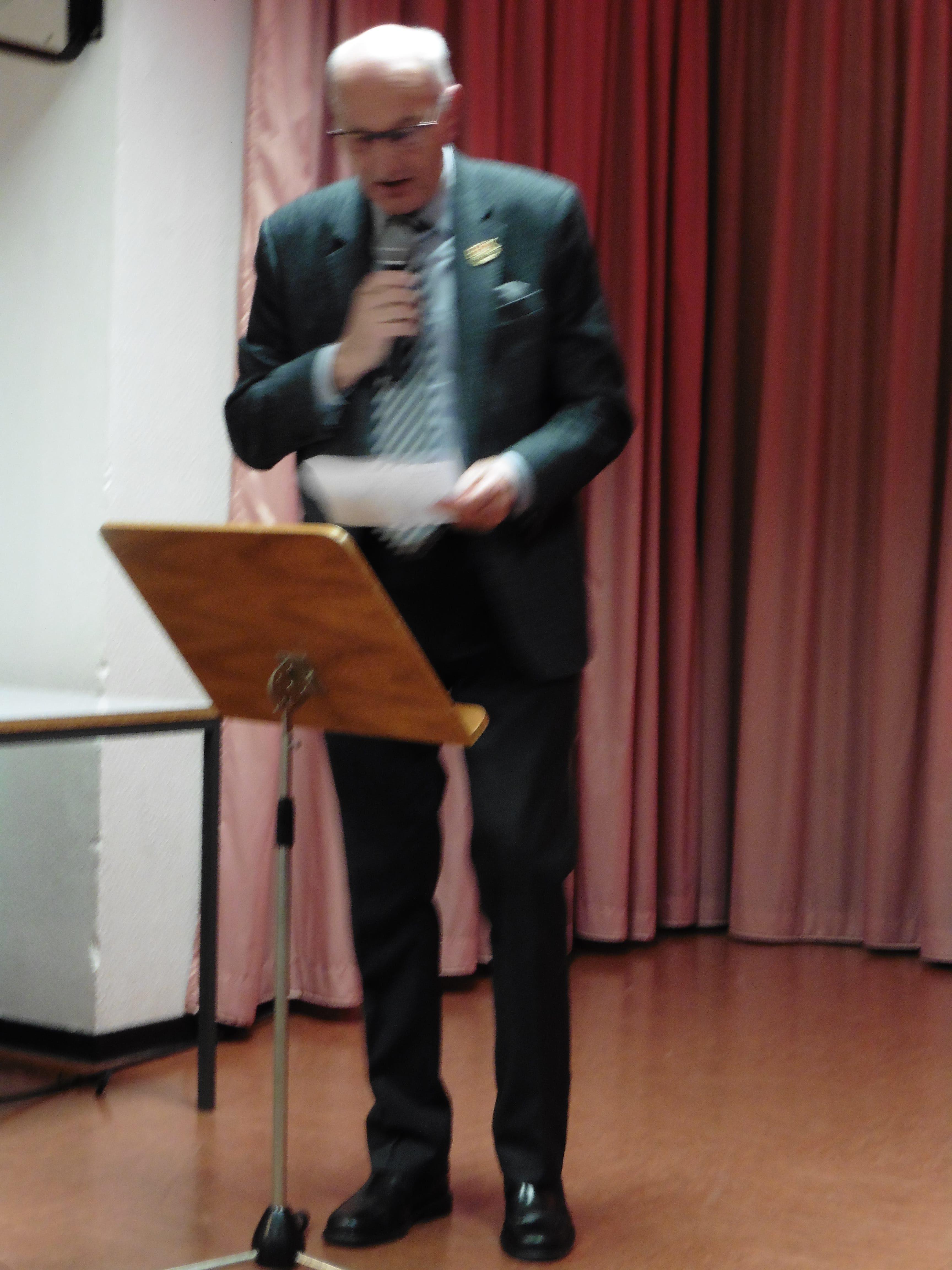 Karl_Hermnans_spricht_das Tischgebet